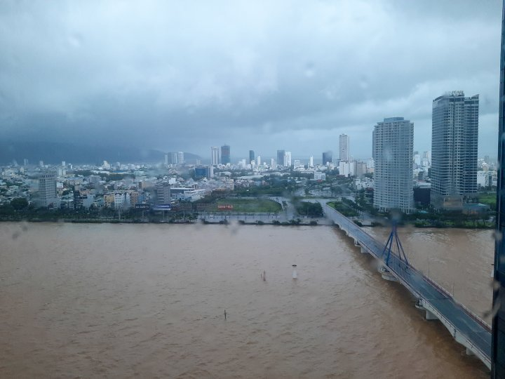 Han River, The outer bands of Typhoon Molave